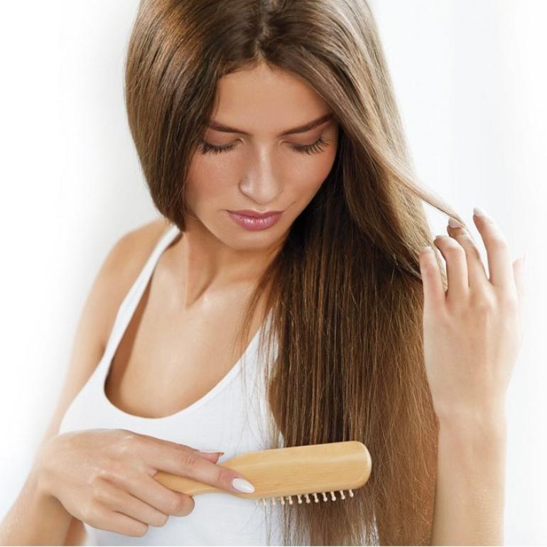 Attivi ANTI-POLLUTION e acqua termale: ingredienti chiave per capelli luminosi e perfetti